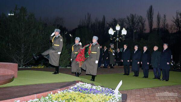 Главы государств Центральной Азии почтили память Ислама Каримова - Sputnik Тоҷикистон