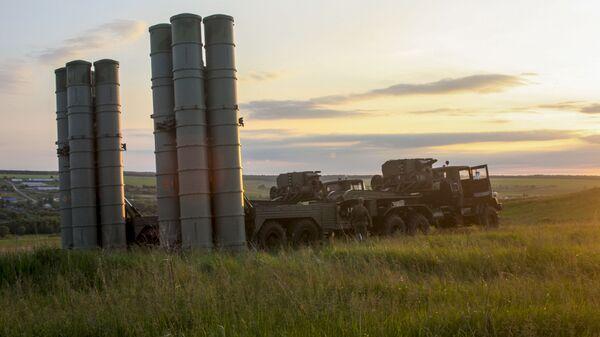 Учения войск ПВО с участием дивизиона ЗРК С-300 Фаворит - Sputnik Таджикистан