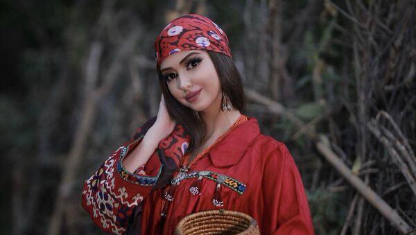 Таджикская модель Сафина Гаибова - Sputnik Тоҷикистон