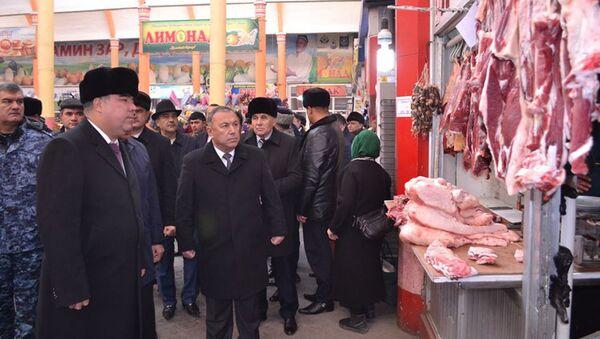 Раджабой Ахмадзода посетил центральный рынок Панчанбе и рынки вокруг него - Sputnik Тоҷикистон