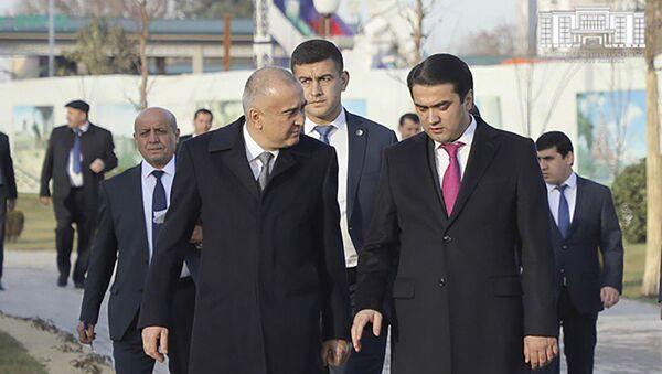 Рустами Эмомали ознакомился с новыми зданиями и комплексами Ташкента - Sputnik Таджикистан