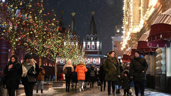 Новогоднее оформление города Москвы - Sputnik Таджикистан