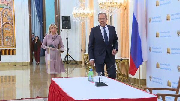 Лавров не исключил, что российских дипломатов вслед за спортсменами обвинят в применении допинга - YouTube - Sputnik Таджикистан