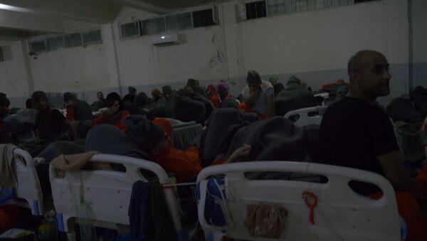 Переполненные камеры: как в сирийских тюрьмах живется пособникам террористов - Sputnik Тоҷикистон