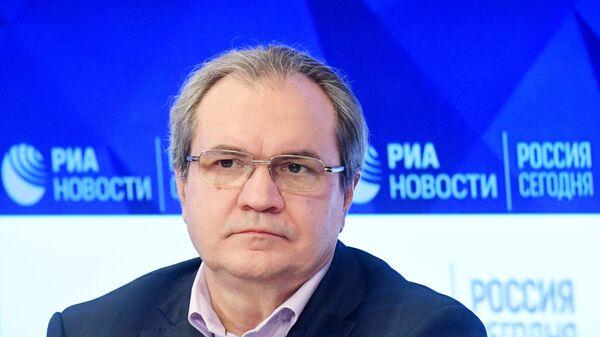 Валерий Фадеев на пресс-конференции в Международном мультимедийном пресс-центре МИА Россия сегодня (12 марта 2019). Москвa - Sputnik Таджикистан