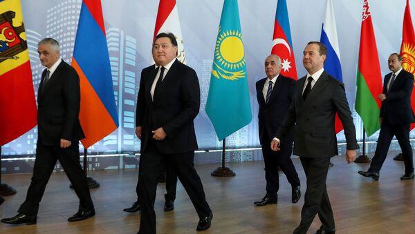 Премьер-министр РФ Д. Медведев принял участие в заседаниях Совета глав правительств СНГ и Евразийского межправительственного совета - Sputnik Таджикистан