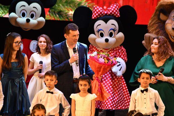 Новогодний концерт в Театре оперы и балета в Душанбе - Sputnik Таджикистан