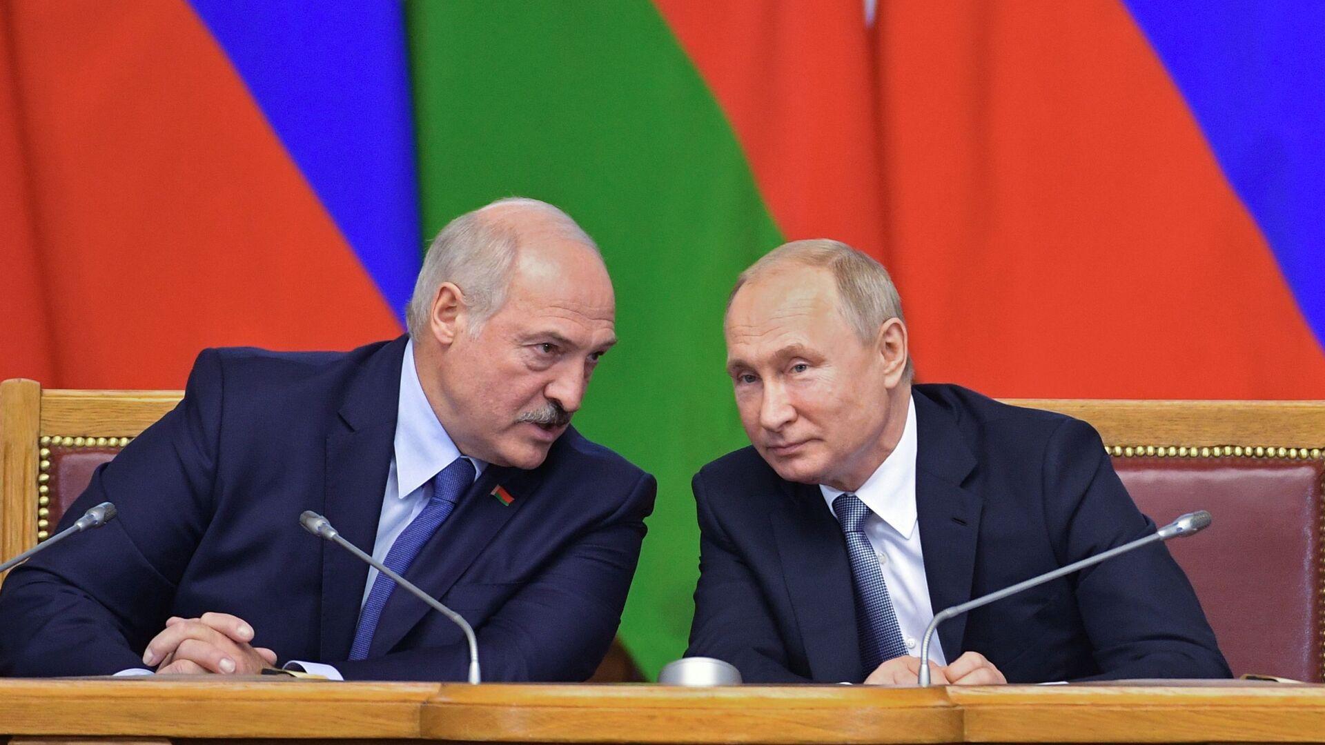 Президент РФ Владимир Путин и президент Белоруссии Александр Лукашенко - Sputnik Таджикистан, 1920, 09.09.2021