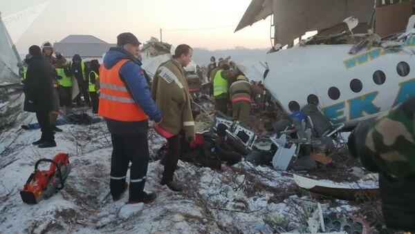 Пассажирский самолет рухнул в Алматы: 14 человек погибли - Sputnik Тоҷикистон