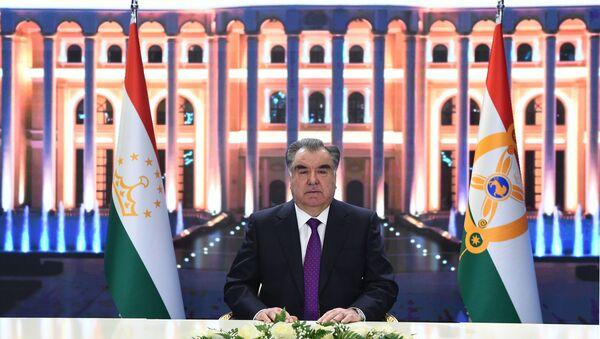 Рахмон поздравил граждан Таджикистана с Новым годом - Sputnik Тоҷикистон