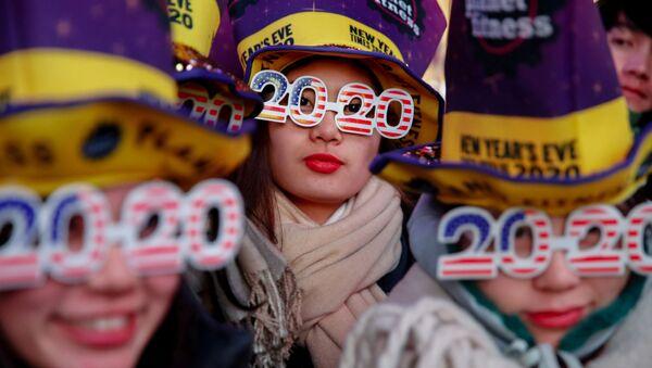 Празднование Нового года на Таймс-сквер  в Нью-Йорке  - Sputnik Таджикистан