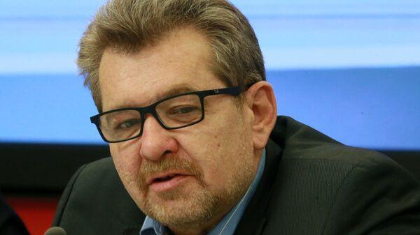 Заведующий отделом Средней Азии и Казахстана Института стран СНГ Андрей Грозин - Sputnik Таджикистан
