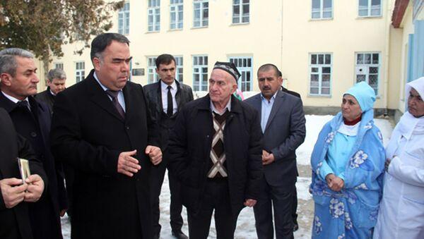 Ахмадзода в городе Шуроб - Sputnik Тоҷикистон