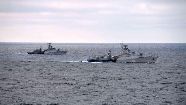 Корабли Черноморского флота во время совместных учений Северного и Черноморского флотов в Черном море - Sputnik Таджикистан
