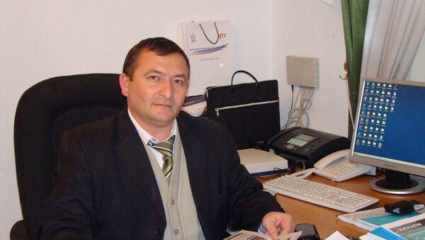 Кандидат экономических наук, бывший работник Агроинвестибанка Таджикистана Бахром  Шарипов - Sputnik Таджикистан