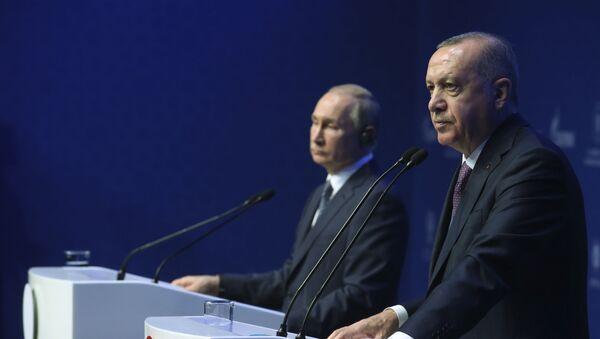 Президент Турции Реджеп Тайип Эрдоган и президент РФ Владимир Путин - Sputnik Тоҷикистон