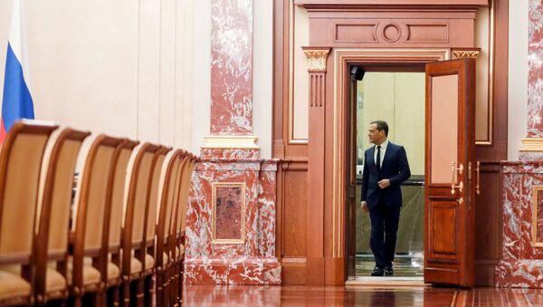 Председатель правительства РФ Дмитрий Медведев - Sputnik Таджикистан