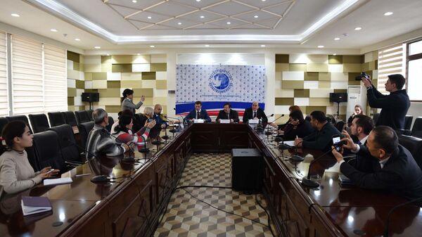 Пресс-конференция Россотрудничества по вопросам квотной кампании поступления граждан Таджикистана в российские вузы в 2020-2021 учебном году - Sputnik Таджикистан