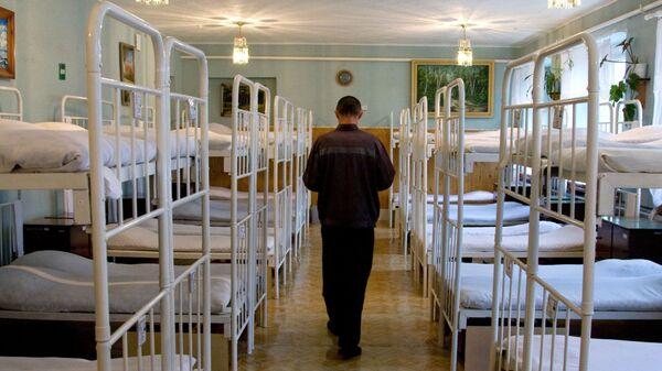 Заключенный в спальне исправительной колонии, архивное фото - Sputnik Тоҷикистон