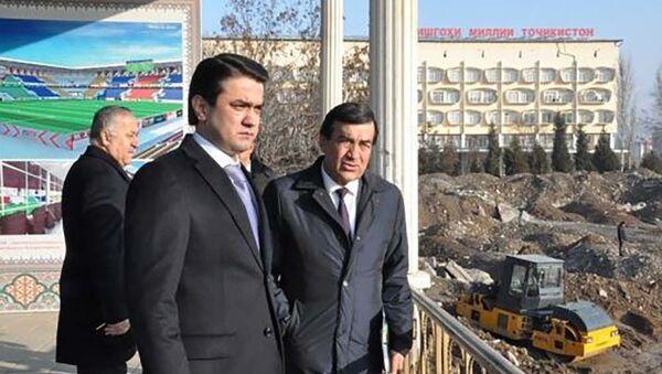 Рустам Эмомали ознакомился с ходом строительства нового стадиона столицы - Sputnik Таджикистан