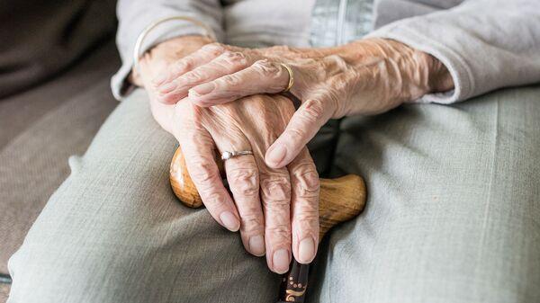 Пожилая женщина - Sputnik Таджикистан