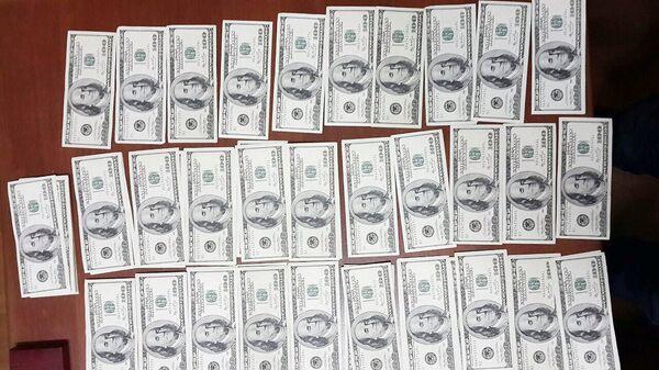 Фальшивые доллары - Sputnik Таджикистан