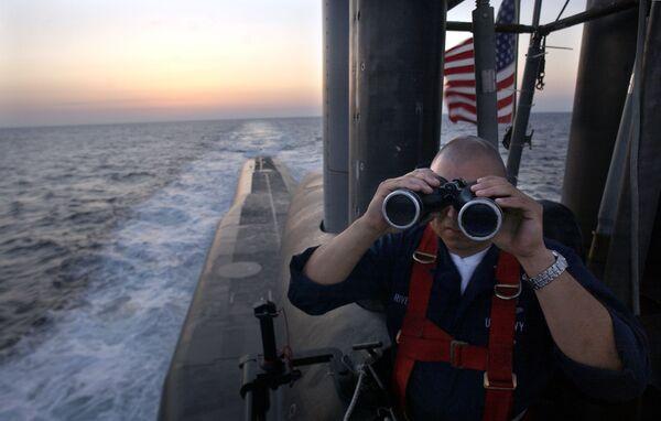 Офицер на борту подводной лодки USS Florida  - Sputnik Таджикистан
