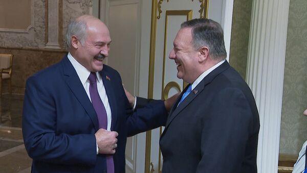 Александр Лукашенко 1 февраля провел переговоры с госсекретарем США Майклом Помпео - Sputnik Таджикистан