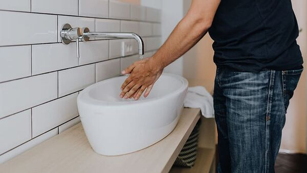 Мытье рук, архивное фото - Sputnik Таджикистан