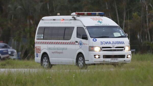 Машина скорой медицинской помощи в Тайланде - Sputnik Таджикистан