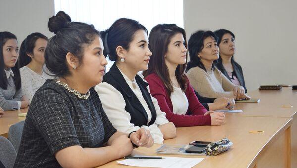 Студенты  - Sputnik Таджикистан