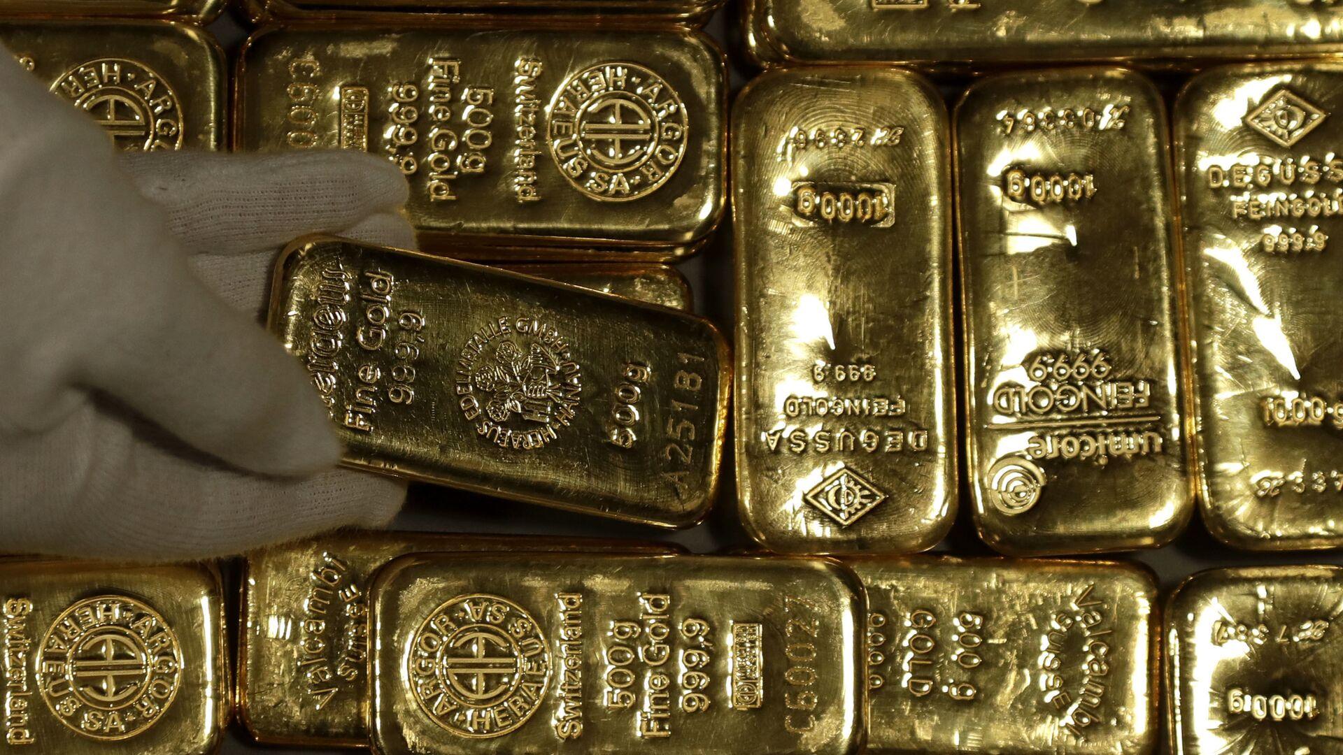 Золотые слитки - Sputnik Таджикистан, 1920, 18.02.2021
