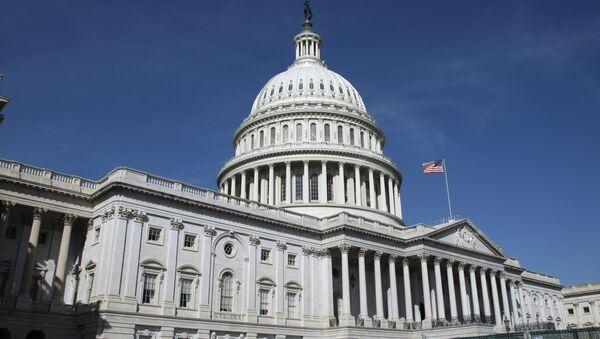 Капитолий (United States Capitol) на Капитолийском холме в Вашингтоне - Sputnik Тоҷикистон