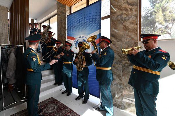 В Россотрудничестве наградили ветеранов ВОВ  - Sputnik Таджикистан
