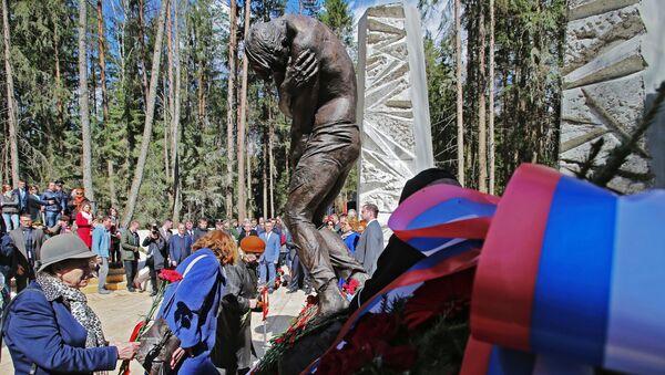 Открытие мемориального комплекса Катынь - Sputnik Таджикистан