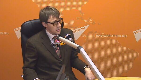 Денис Мельник-Кандидат экономических наук, доцент Департамента теоретической экономики НИУ ВШЭ                - Sputnik Таджикистан