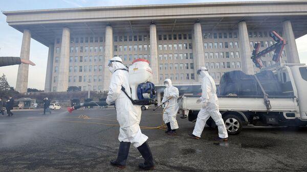 Профилактические меры против распространения коронавируса в Сеуле - Sputnik Таджикистан