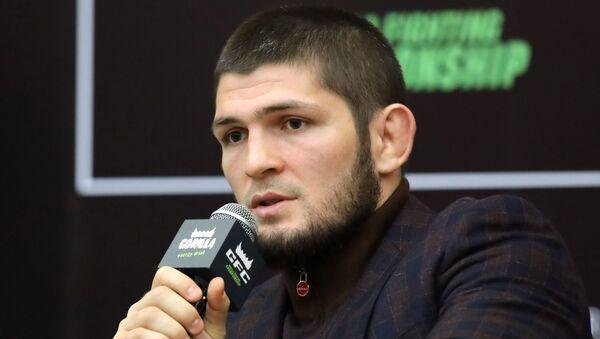 Хабиб Нурмагомедов, боец смешанного стиля, чемпион абсолютного бойцовского чемпионата (UFC) в легком весе - Sputnik Тоҷикистон