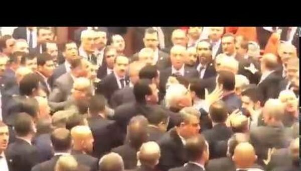 Массовая драка в турецком парламенте - Sputnik Тоҷикистон