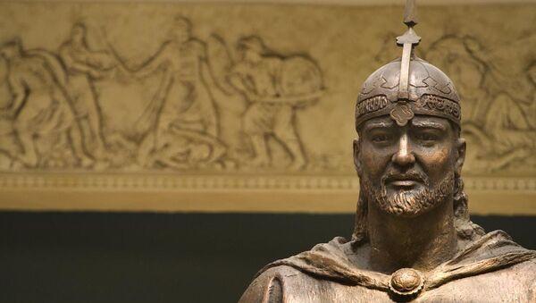 Темур Малик , статуя в Худжанде - Sputnik Таджикистан