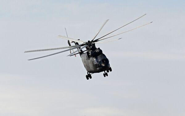 Тяжелый военно-транспортный вертолет Ми-26Т2 - Sputnik Таджикистан
