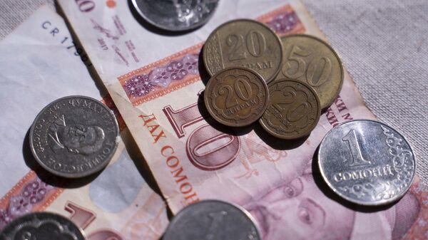 Таджикские деньги, архивное фото - Sputnik Тоҷикистон