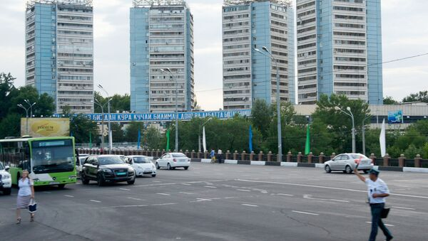Одной из улиц города Ташкента. - Sputnik Таджикистан