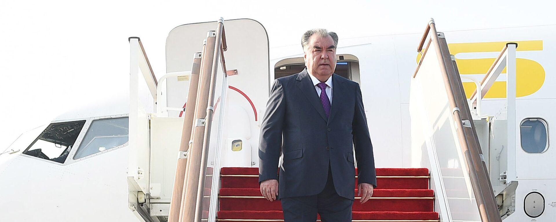 Президент Республики Таджикистан Эмомали Рахмон - Sputnik Таджикистан, 1920, 02.06.2021