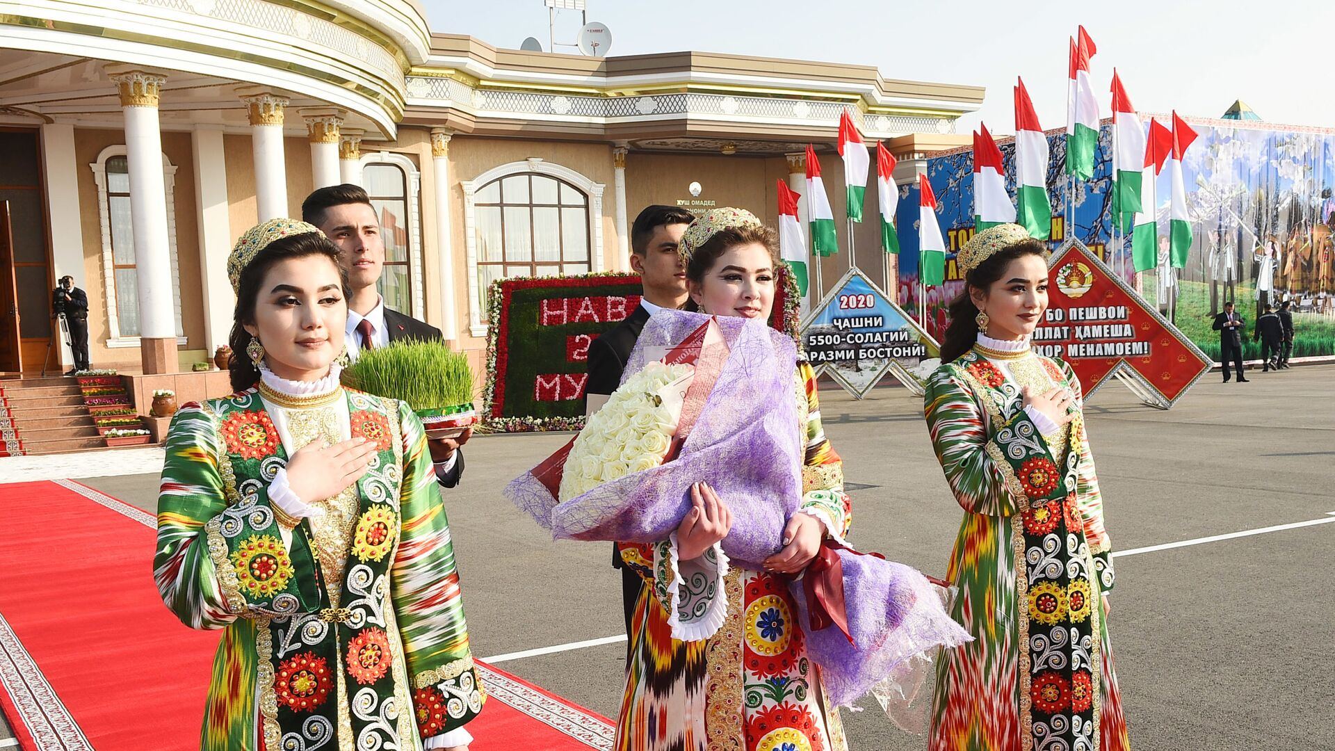 Встреча президента в Согдийской области - Sputnik Таджикистан, 1920, 16.06.2021