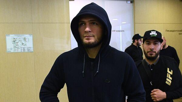 Боец смешанного стиля, чемпион абсолютного бойцовского чемпионата (UFC) в легком весе Хабиб Нурмагомедов  - Sputnik Тоҷикистон