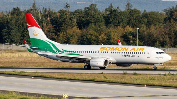 Самолет компании Сомон Эйр, архивное фото - Sputnik Таджикистан