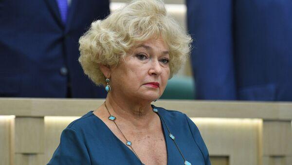 Сенатор, член Комитета СФ по конституционному законодательству и государственному строительству Людмила Нарусова - Sputnik Таджикистан