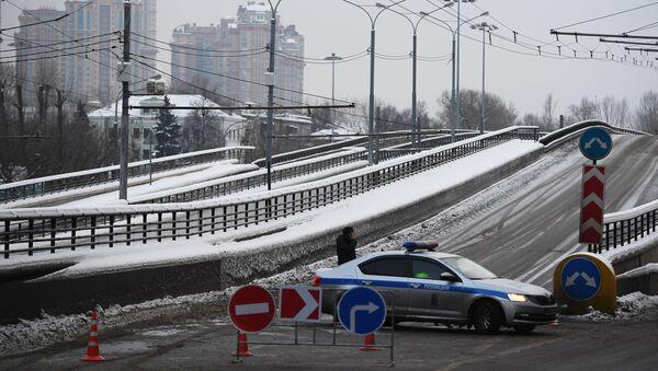 Перекрытие дороги в Москве, архивное фото - Sputnik Тоҷикистон