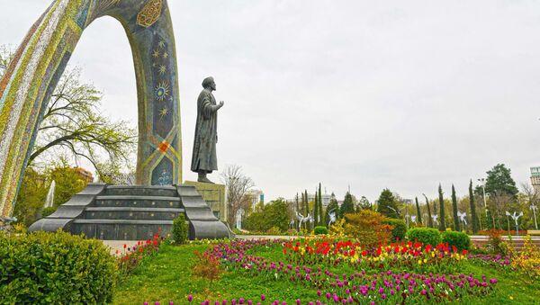 Цветы в городе Душанбе - Sputnik Тоҷикистон